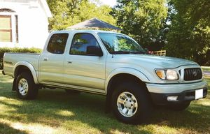 Luxury Package HID headlamps01 Toyota Tacoma size: full-size 3.4L! for Sale in Tampa, FL
