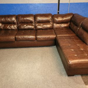 Beautiful Brown Leather Sectional Couch for Sale in Renton, WA