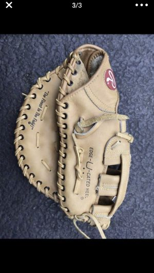 Rawlings baseball glove for Sale in Vernon Hills, IL