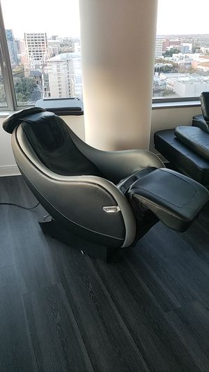 Brookstone Recliner massage chair for Sale in San Jose, CA