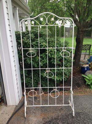 6ft iron plant wall with pot holders for Sale in Medfield, MA