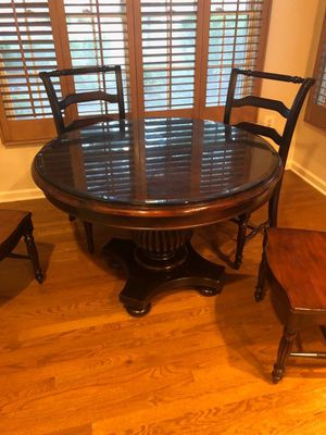 LUXURIOUS BREAKFAST TABLE for Sale in Short Hills, NJ