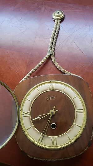 Albert wind up clock antique go in fast get it before it's gone for Sale in Oak Hills, CA