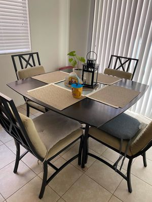 Square Dining Table with 4 Chairs for Sale in Las Vegas, NV