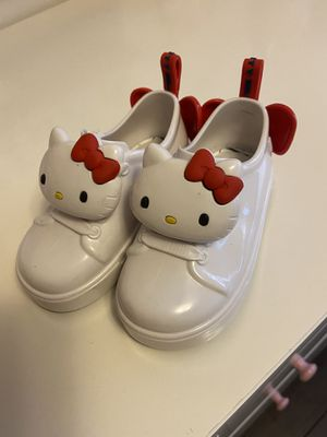 Hello kitty mini Melissa shoes for Sale in Los Angeles, CA
