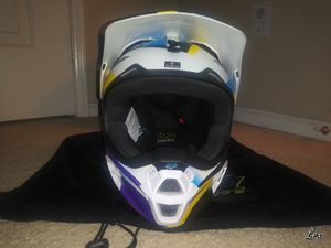 Fox Youth Dirt Bike Helmet for Sale in Corona, CA