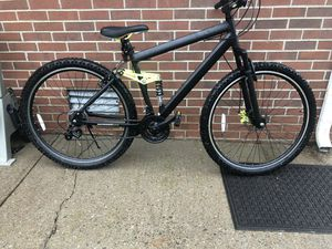 "Men's genesis 29"" mountain bike for Sale in Murfreesboro, TN"