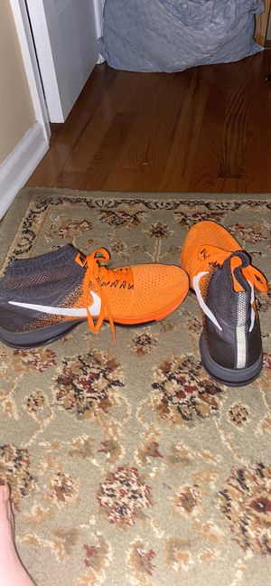 Nike Running Shoes. Size 9.5. high top sock. for Sale in Berlin, NJ