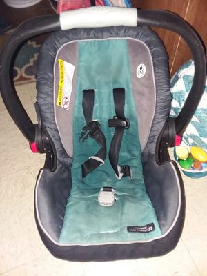 Car seat carier for Sale in Corpus Christi, TX