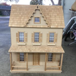 Victorian Dollhouse, Practically new for Sale in Fresno, CA