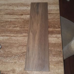 Plank tile for sale I have 100sq feet 24inches long by 6in wide for Sale in Las Vegas, NV