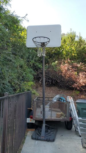 Basketball hoop for Sale in Pasadena, CA