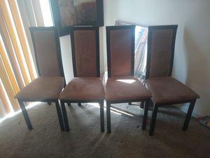 Dining room chairs a set of 4 for Sale in Hyattsville, MD