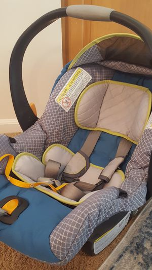 Car seat for Sale in Fairborn, OH