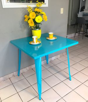 Flash Furniture 31.5'' Square Crystal Teal-Blue Metal Indoor-Outdoor Table for Sale in Las Vegas, NV