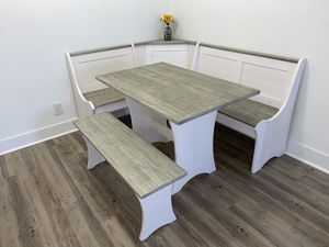 White Breakfast Nook Dining set for Sale in FL, US