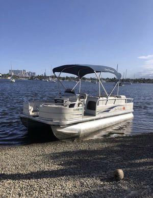 "Suntracker pontoon boat 21"" for Sale in Hollywood, FL"