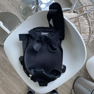Puppy carrier / Backpack for Sale in Bellevue, WA