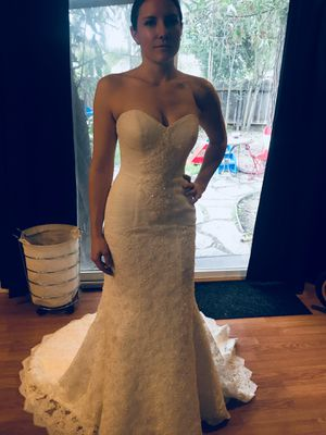 Wedding dress for Sale in Riverbank, CA