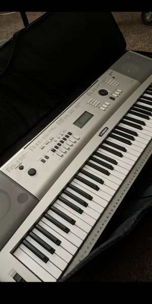 Yamaha YPG235 Piano Keyboard with case for Sale in Moreno Valley, CA