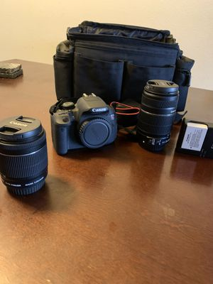 Canon T5i with 18-55mm and 55-250mm lens and carrying case for Sale in Hemet, CA