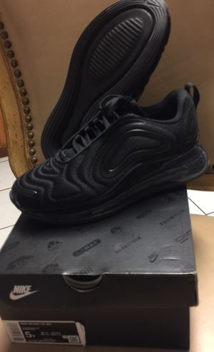 NIKE AIR MAX 720 (SIZE 5Y) $80 for Sale in Poinciana, FL