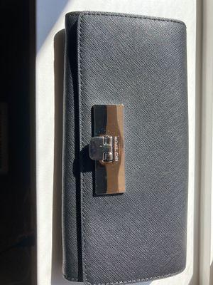 Michael Kors wallet for Sale in Auburn, WA