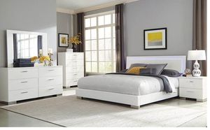 Felicity Contemporary White And High Gloss Queen Four-piece Set for Sale in Naples, FL