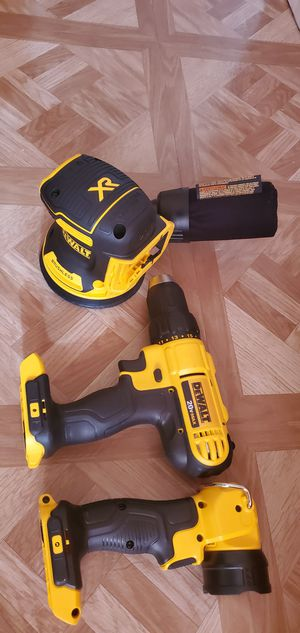 """DeWalt DCW210B 20V Max Li-Ion 5"""" Brushless Orbital Sander and Flashligt and Drill Firm price for Sale in Dumfries, VA"""