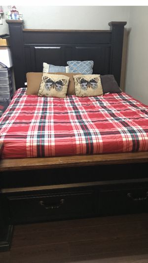 Queen size bed for Sale in ARROWHED FARM, CA