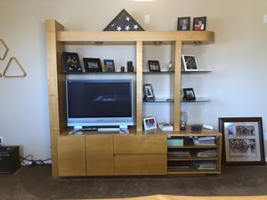 Lighted wall unit for Sale in Albuquerque, NM