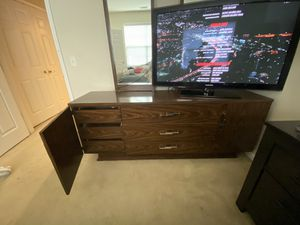 Dresser (ONLY) w/ 2 mirrors for Sale in Mount Laurel Township, NJ