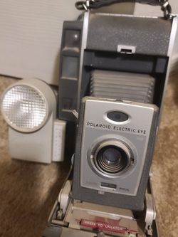 Vintage Polaroid 900 Electric Eye Land Camera with Flash Units for Sale in Queen Creek,  AZ