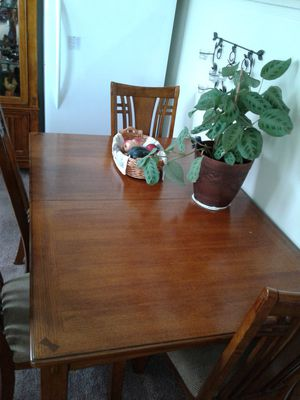 Dinning Table and Chairs for Sale in Snohomish, WA