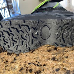 Boys Snow Boots Size 11 for Sale in Las Vegas, NV