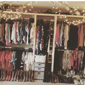 Closet organization for Studio Apt/walk-in Closet for Sale in Dallas, TX