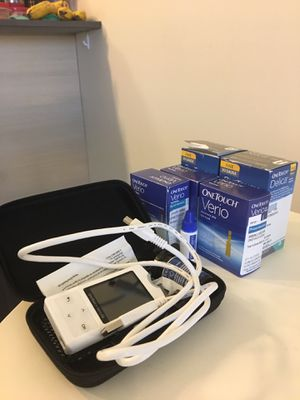 One touch verio blood glucose monitor with 40 test strips for Sale in Seattle, WA
