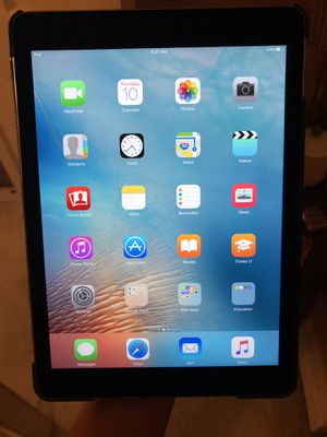 iPad Pro 9.7 with Kate Spade case for Sale in Boston, MA