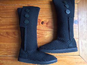Nice, Clean, and Lightly Used Pair Of UGG Australia Classic Cardy II Knit Women's Boots Size 8 Black/Black for Sale in Schaumburg, IL