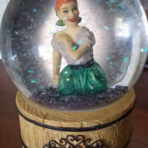 I Love Lucy snow globe music player. plays theme song from show for Sale in Montebello, CA