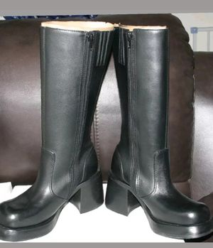 Steve madden size 7 for Sale in Brooklyn, NY