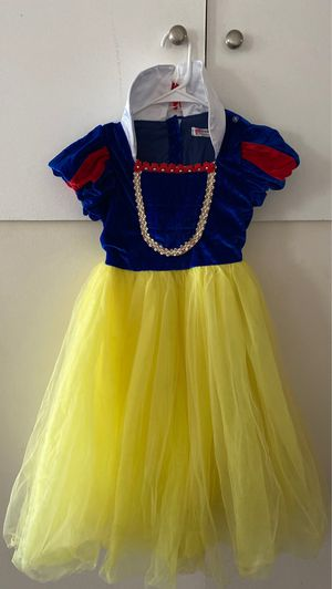 Snow White for little girls 4-6 for Sale in The Bronx, NY