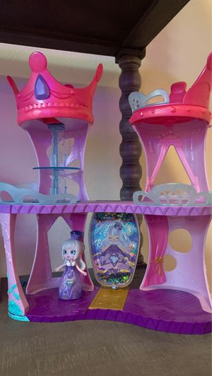 Shopkins Happy Places Doll House Line, Castle Playset for Sale in Mission Viejo, CA