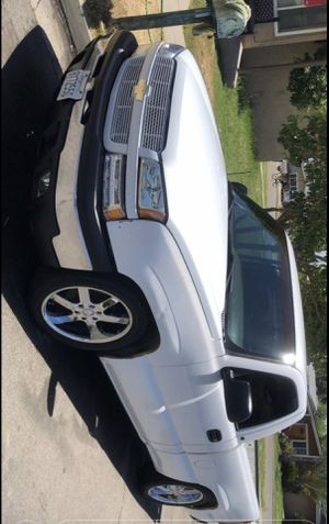 2003 Chevy Silverado V6 for Sale in Clovis, CA
