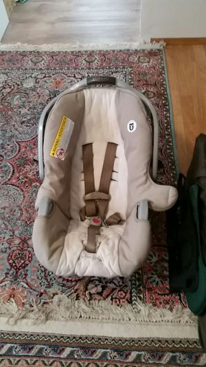 Like new Graco car seat for Sale in Seattle, WA