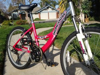 Mongoose Spire Mountain bike for Sale in Fresno,  CA