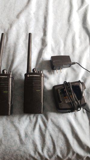 Motorola 2 watt 2 way walkie talkes for Sale in Hialeah, FL