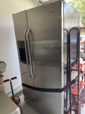 GE Refrigerator for Sale in Atlanta, GA