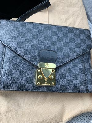 Louis Vuitton clutch bag for Sale in Irvine, CA