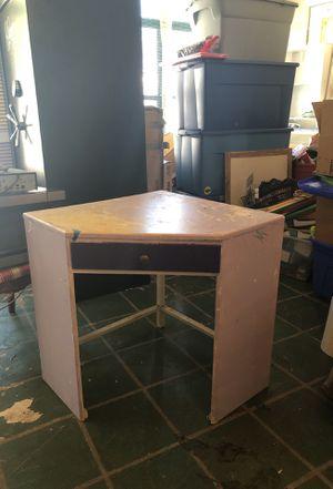 Corner desk for Sale in Fort Meade, FL